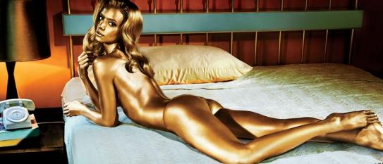 James Bond femme dorée